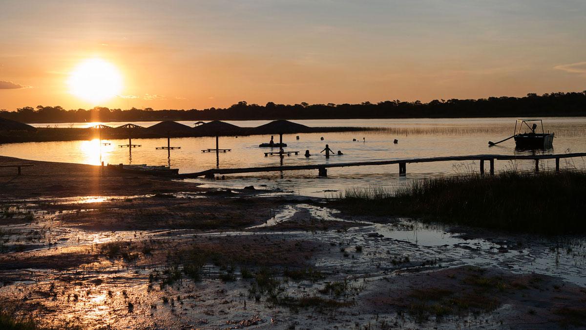 Laguna blanca paraguay san pedro coucher du soleil