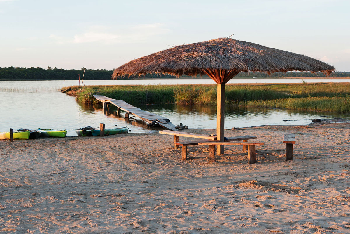 Laguna blanca paraguay san pedro plage parasol