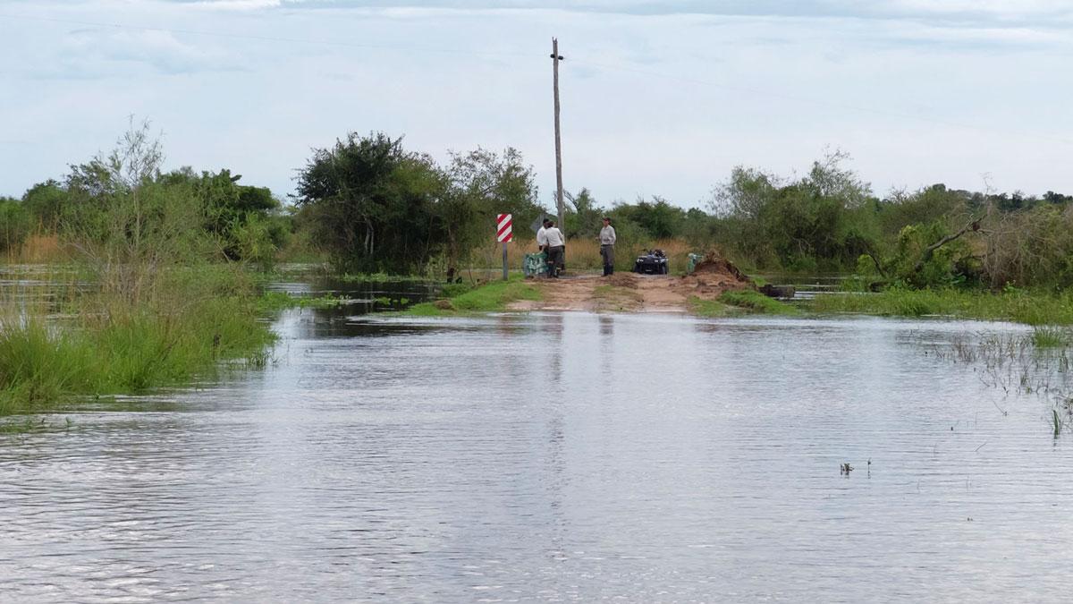 Parque nacional Mburucuyá inundación temporal camino cortado