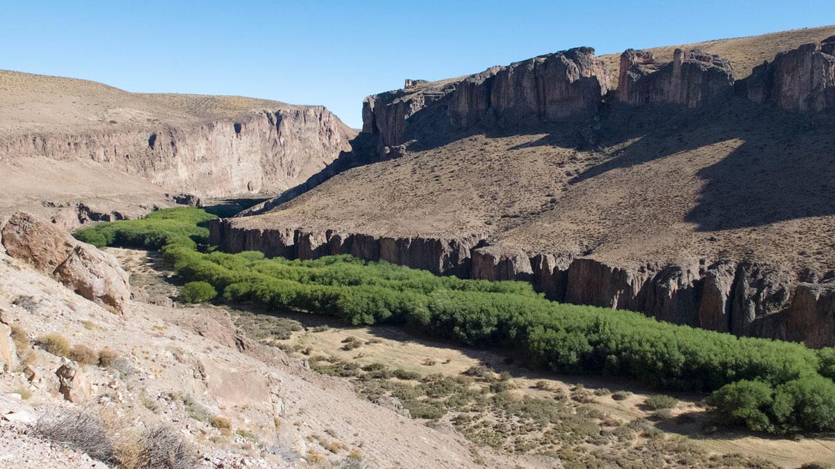 Argentina Cueva de las manos Cañadón valle río Pinturas
