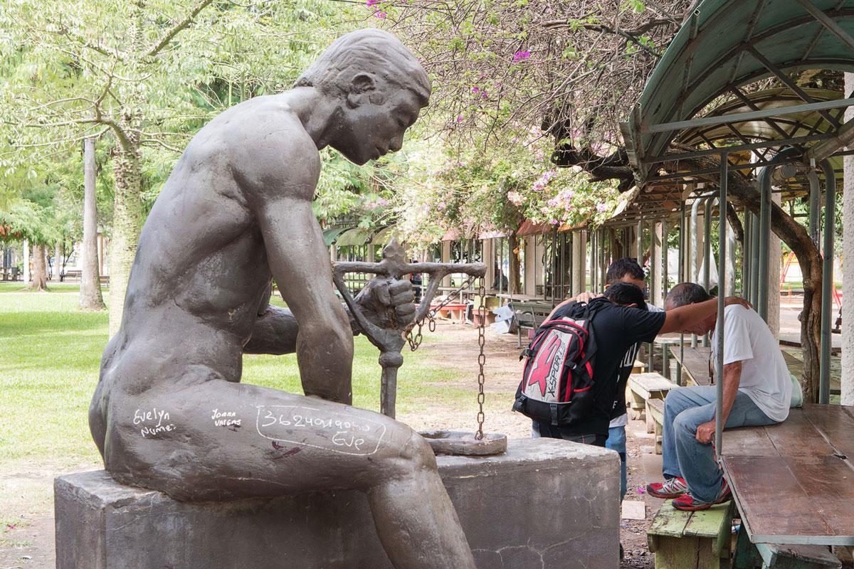 Resistencia chaco argentina escultura Reparación parque