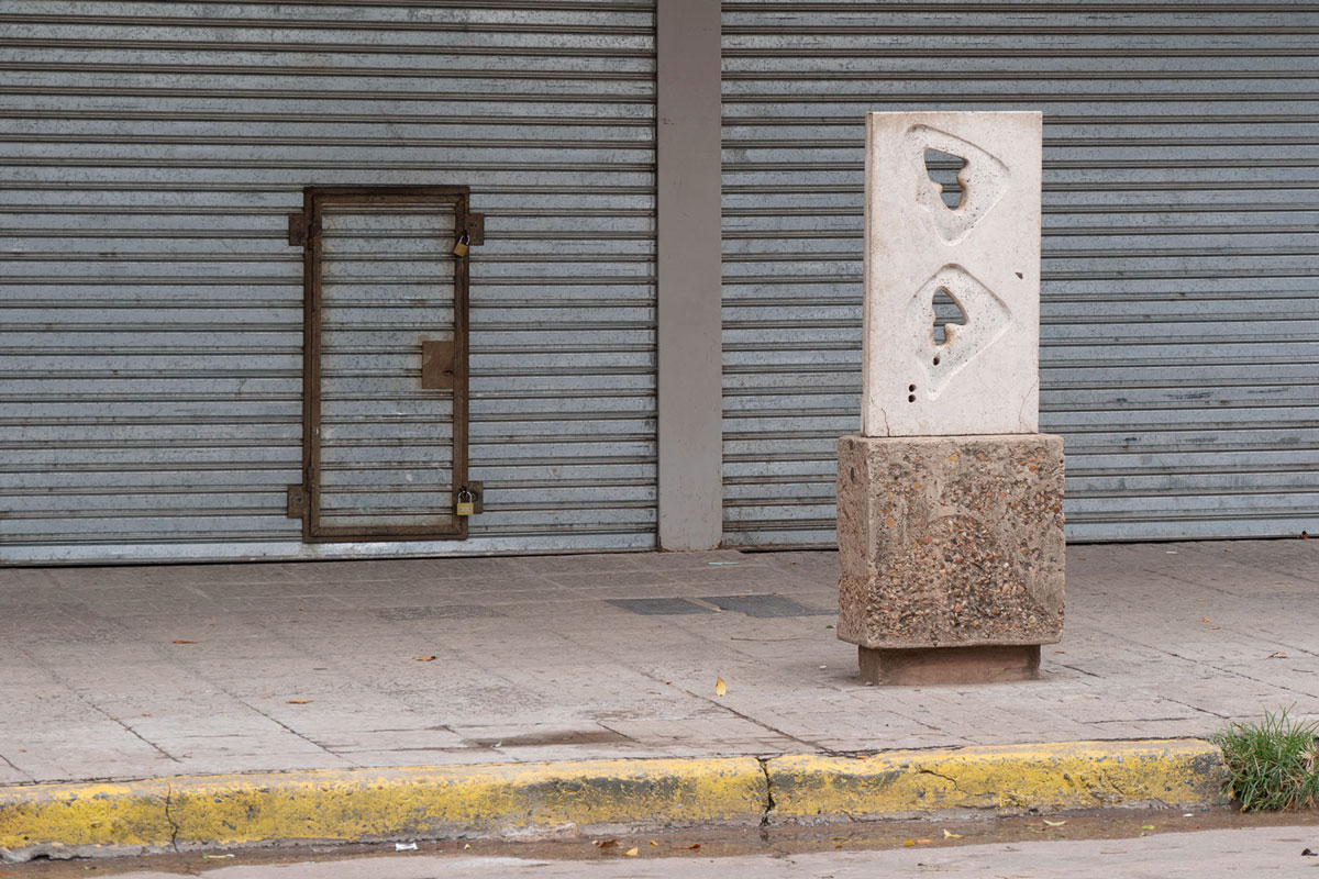 Resistencia chaco argentina escultura canto americano puerta