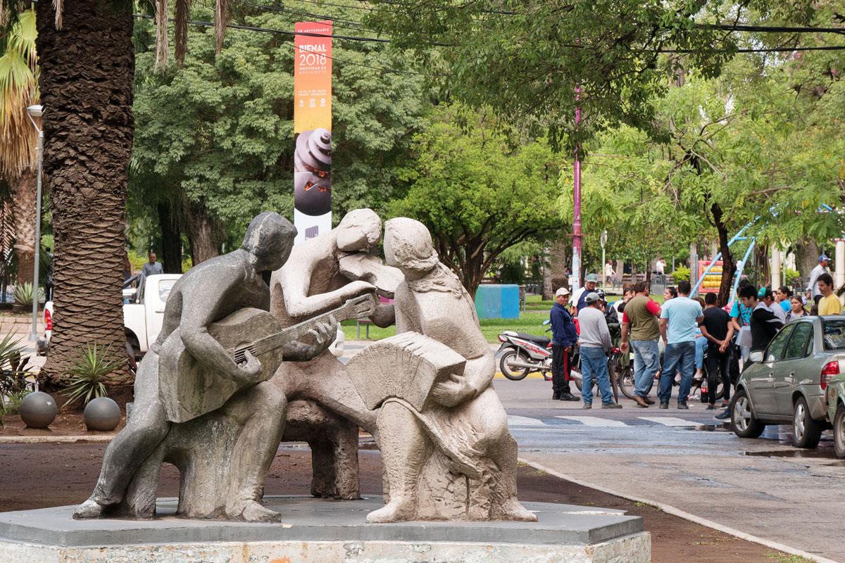 Resistencia chaco argentina escultura musica tango paro