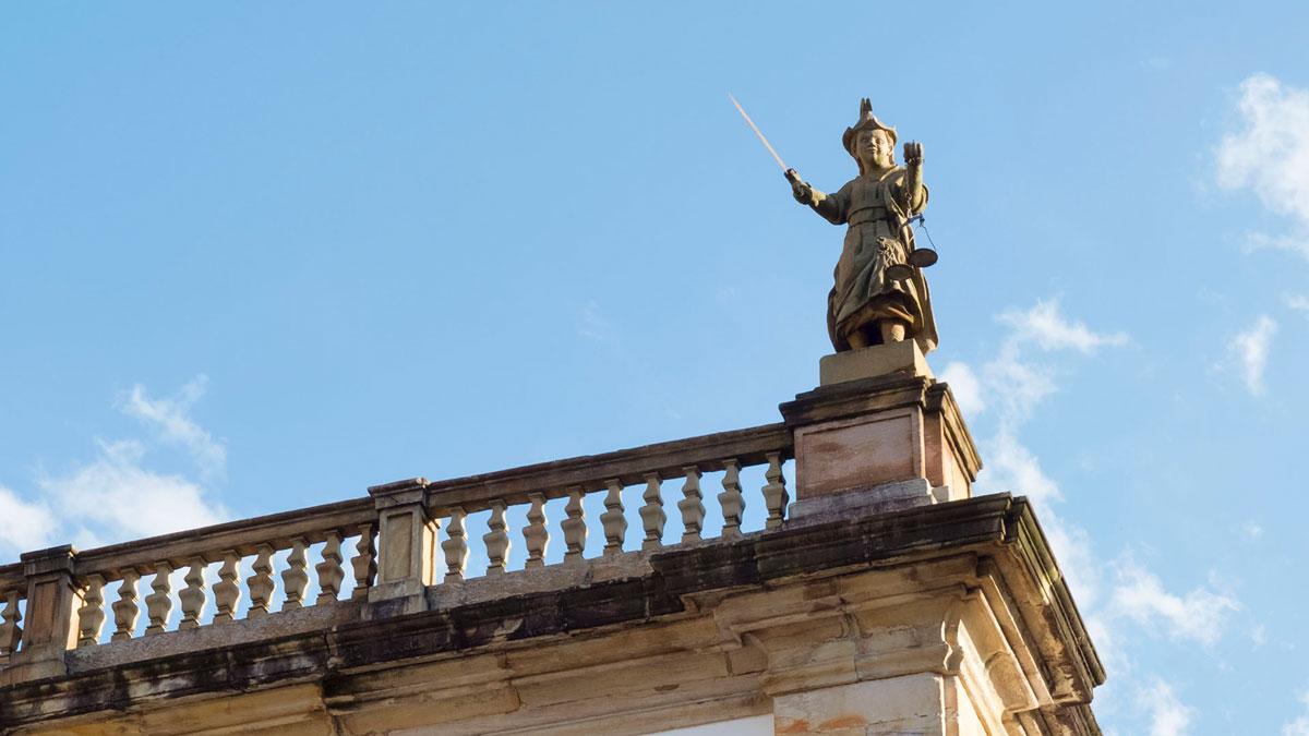 Ouro Preto Sculpture Justice Casa da Câmara e Cadeia