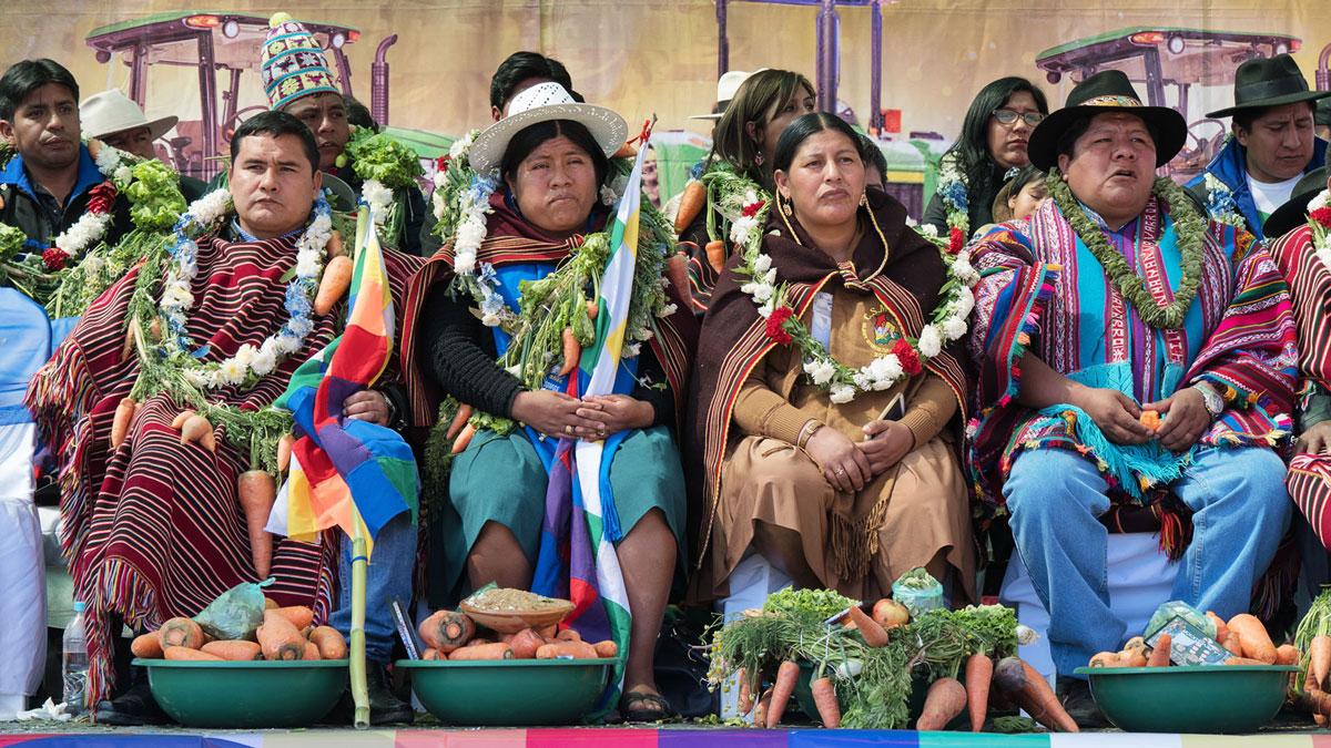 Bolivie Tarabuco dia revolución agraria collier carotte