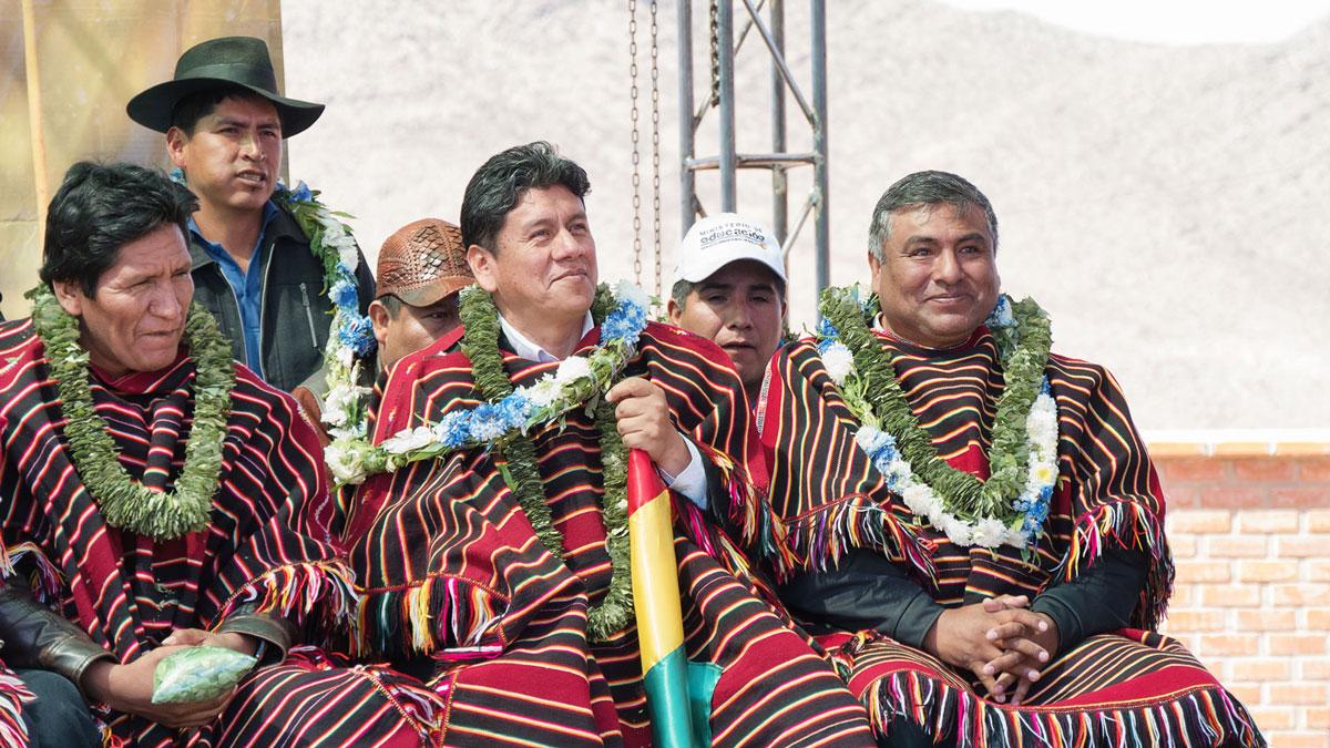 Bolivie Tarabuco dia revolución agraria feuilles coca