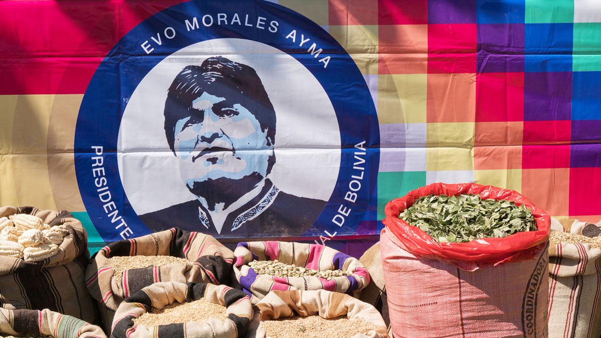 Bolivie Tarabuco dia revolución agraria evo morales sacs céréales