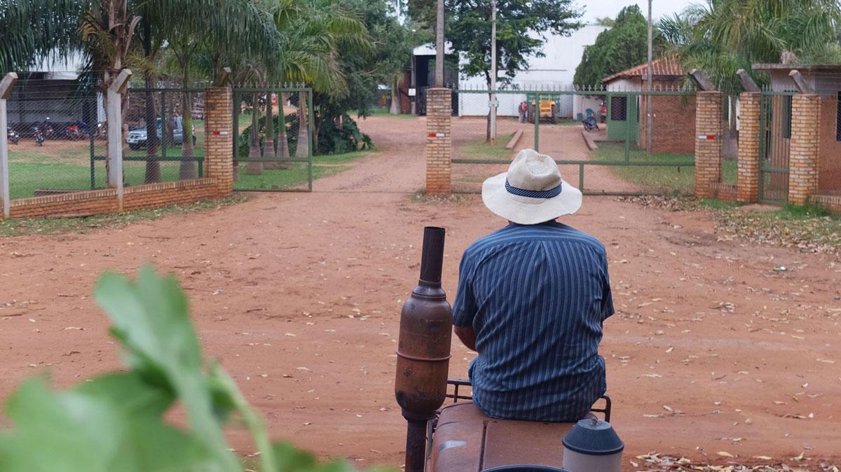Paraguay paso yobai attente camion moulin yerba maté
