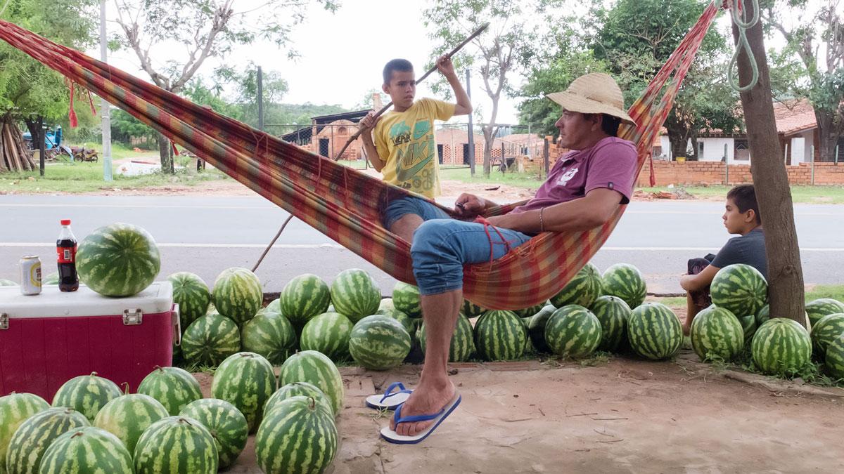 Paraguay gastronomie vendeur pastèques