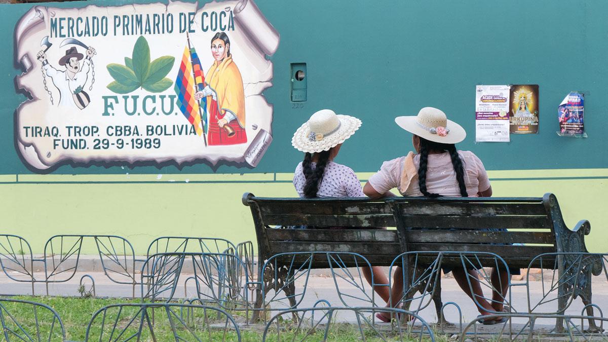 Bolivie Cholitas banc dos chapeaux cochamba coca