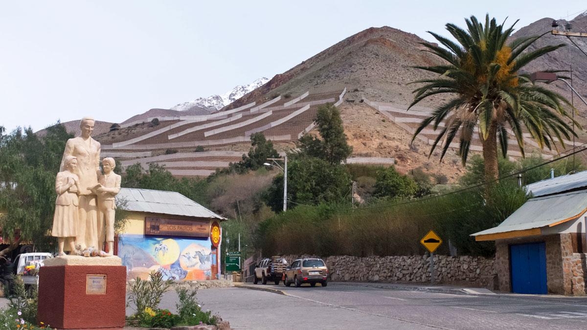 Chili Valle del Elqui sortie de Monte Grande statue de Gabriela Mistral