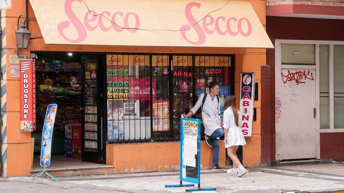 Argentine Tucuman Street Photography Kiosco Écoliers