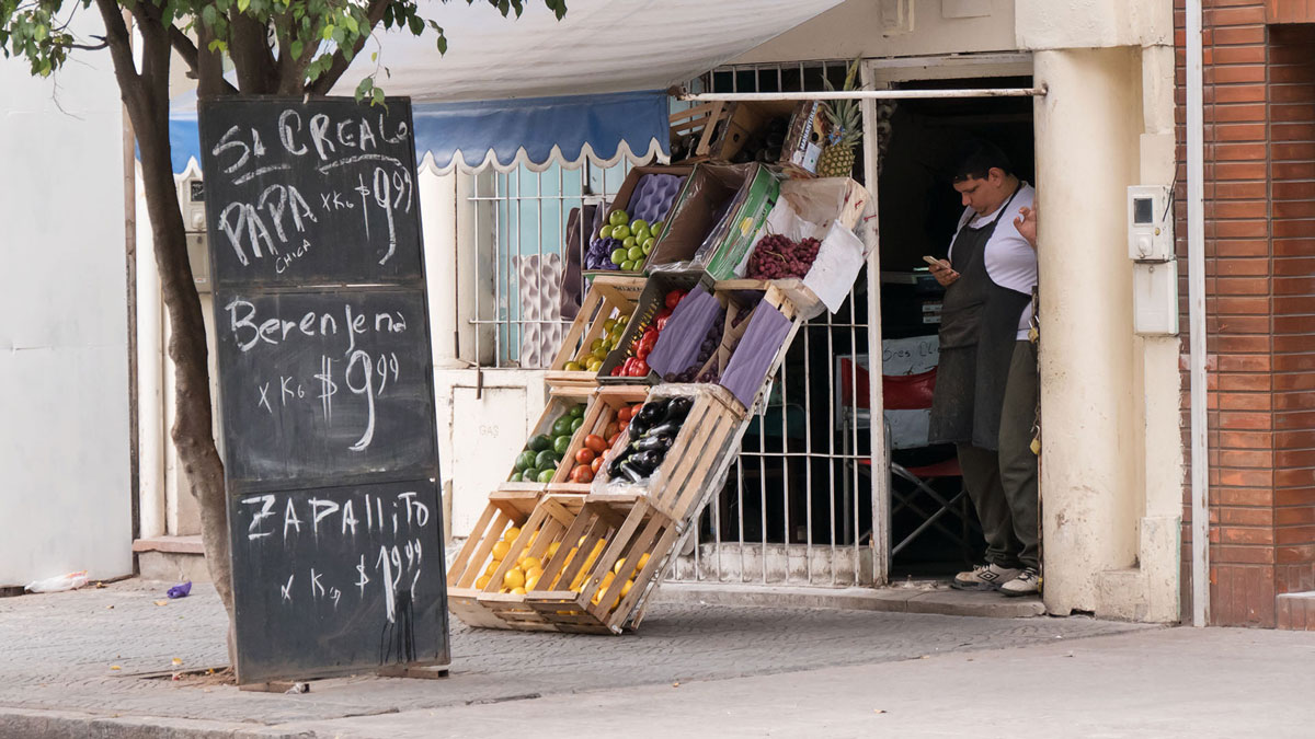Argentine Tucuman Street Photography Verdureria