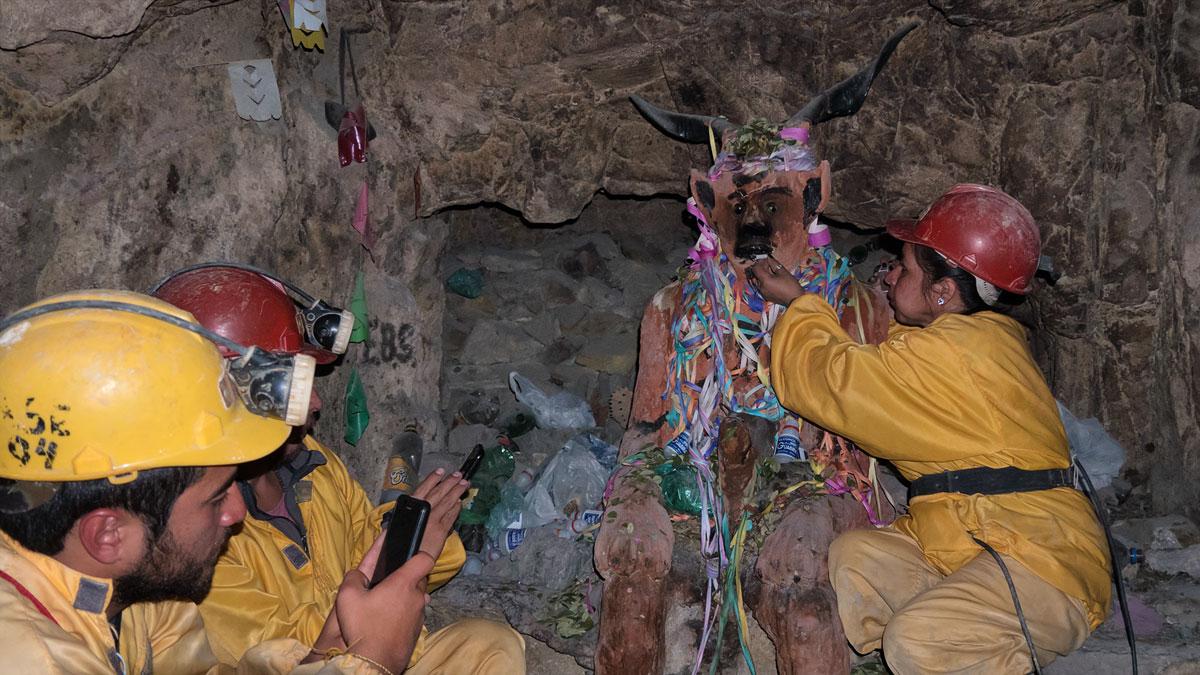 Potosi Cerro Rico touristes tio