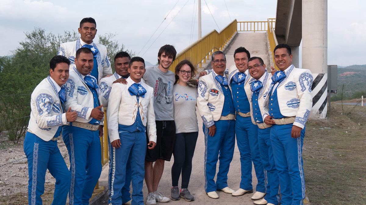 Auto-stop groupe mariachis mexique